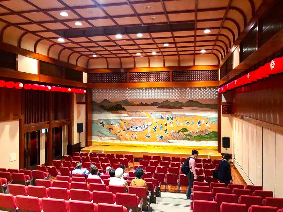 japan_kaga_geisha-theatre-interior
