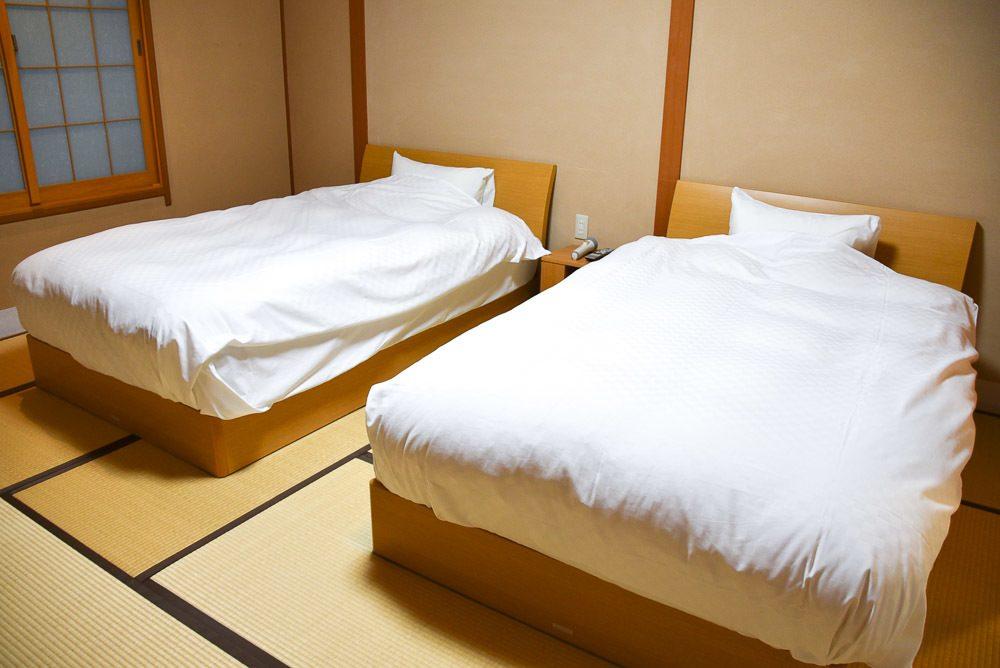 japan_kaga_ryokan-bedroom
