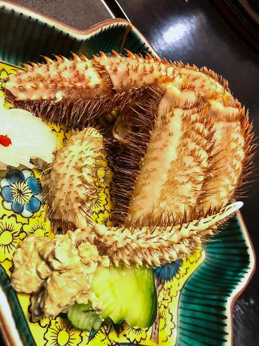 japan_kaga_ryokan-hairy-crab