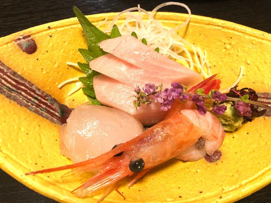 japan_kaga_ryokan-seafood-dinner