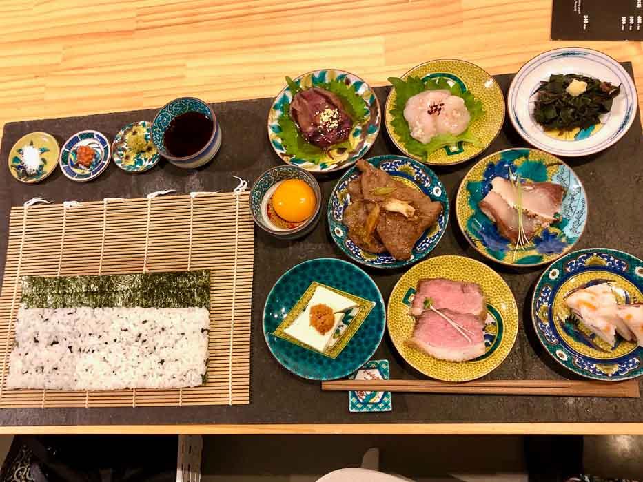japan_kanazawa_COL-make-own-sushi