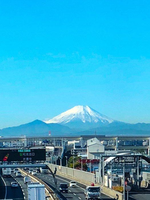 japan_kanazawa_bullet-train-mount-fuji