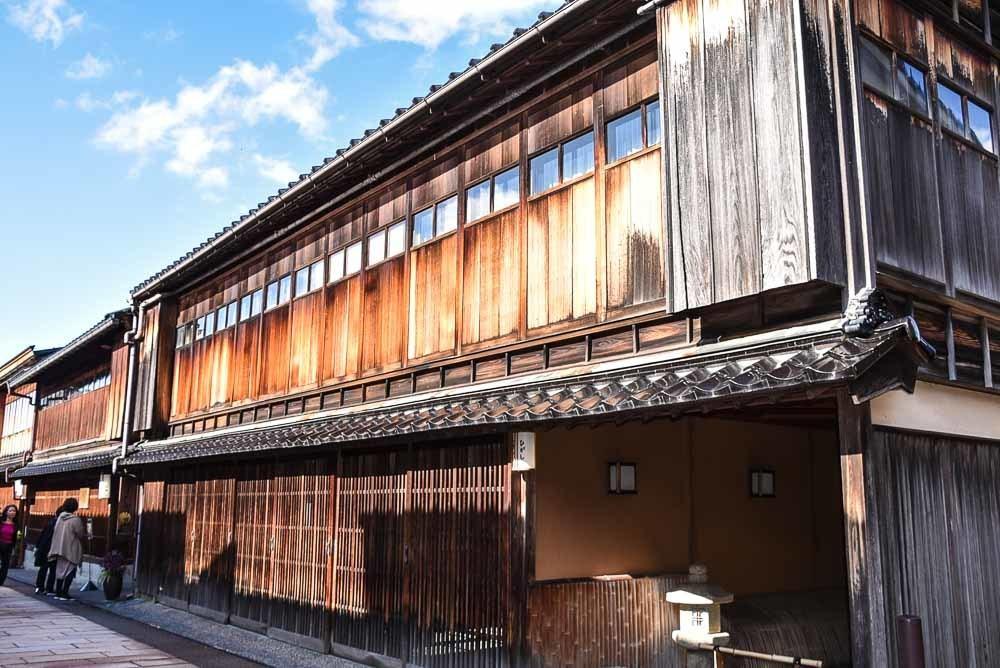 japan_kanazawa_geisha-village