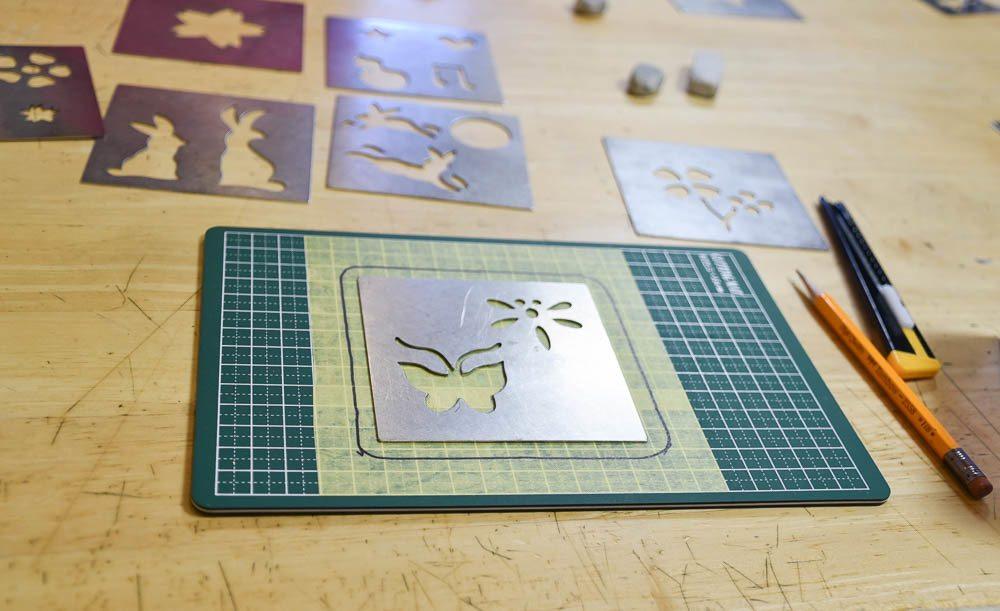 japan_kanazawa_gold-leaf-stencil
