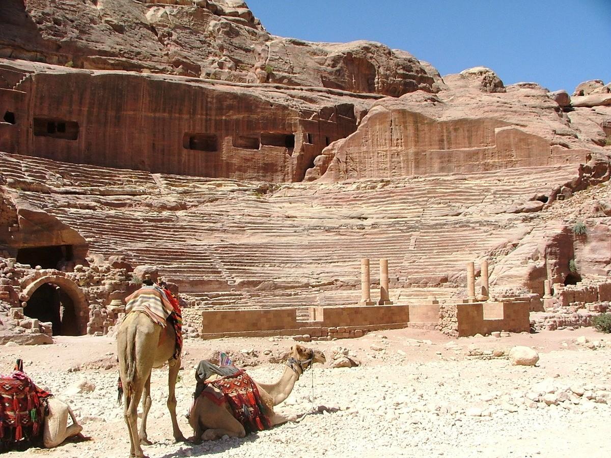 Jordan-petra-camels-theatre
