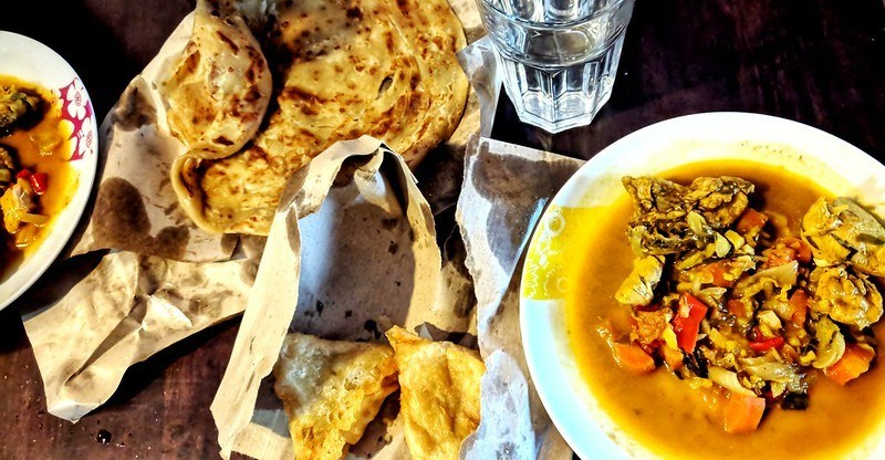 malaysian food with roti bread