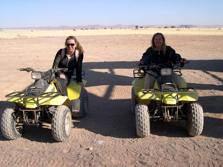 Namibia_sossusvlei-dune-buggies