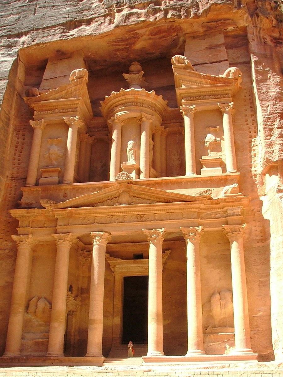 Jordan-Petra-Treasury-up-front