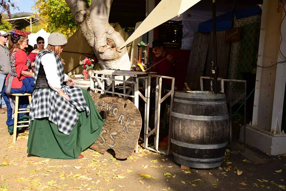 california_sonora_all-hallows-faire-woman