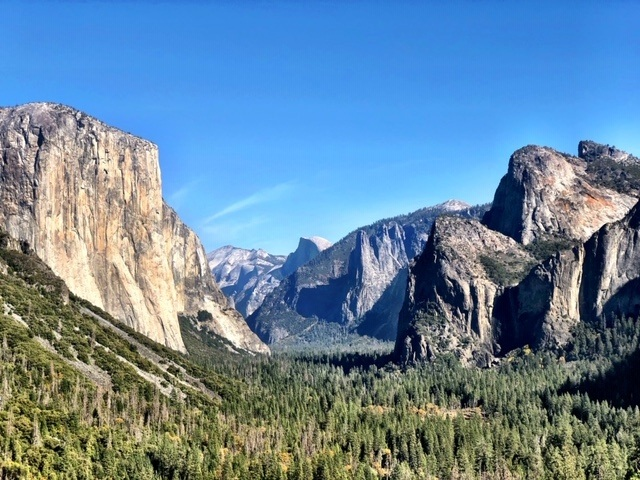 california_yosemite_tunnel-view-1 one of the famous landmarks in the US