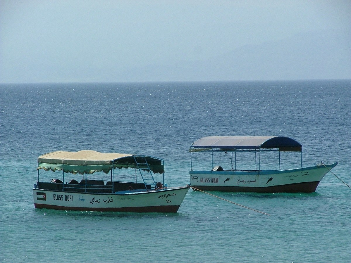 Jordan-Aqaba-glass-bottom-boats