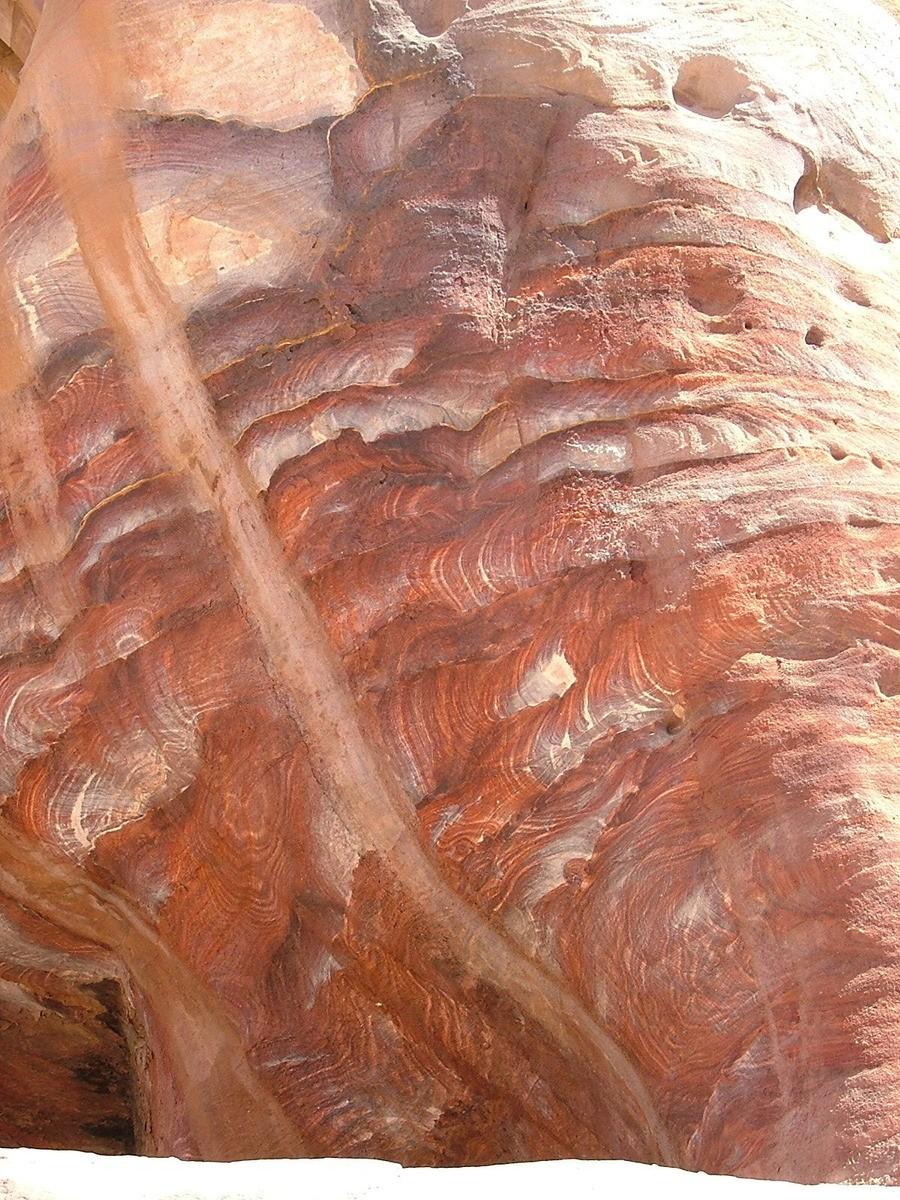 Jordan-Petra-stone-up-close