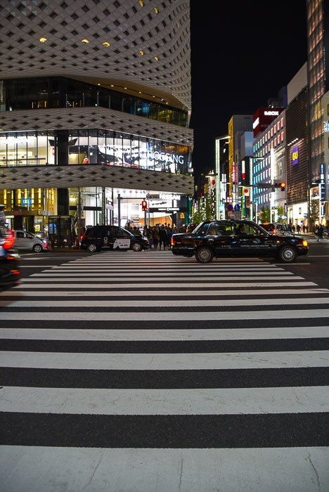 japan_tokyo_ginza-night-crosswalk