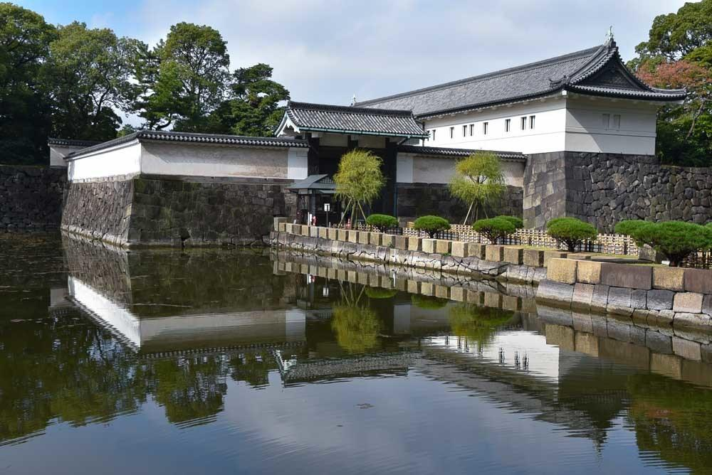 japan_tokyo_imperial-palace-east-garden-entrance