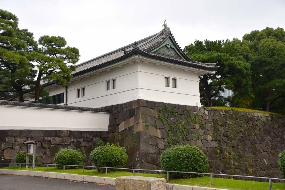 japan_tokyo_imperial-palace-sakurda-gate
