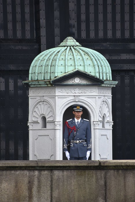 japan_tokyo_imperial-palace-two-bridges-guard