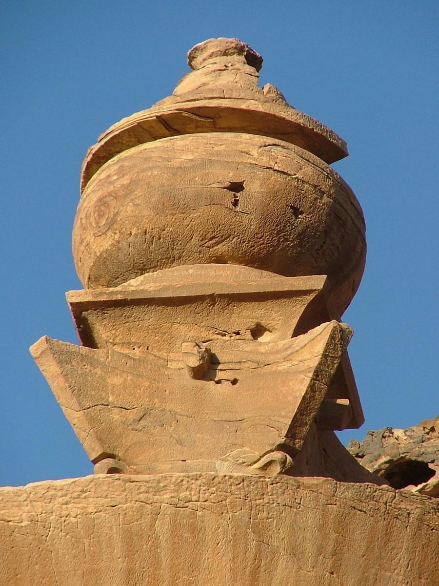 Jordan-petra-monastery-urn