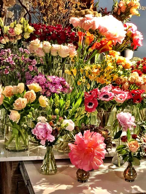 new_york_lower_manhattan_chelsea-market-flowers