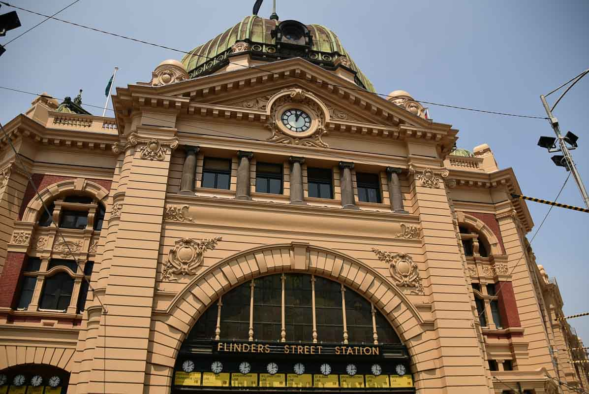 exterior of Flinders Street Station