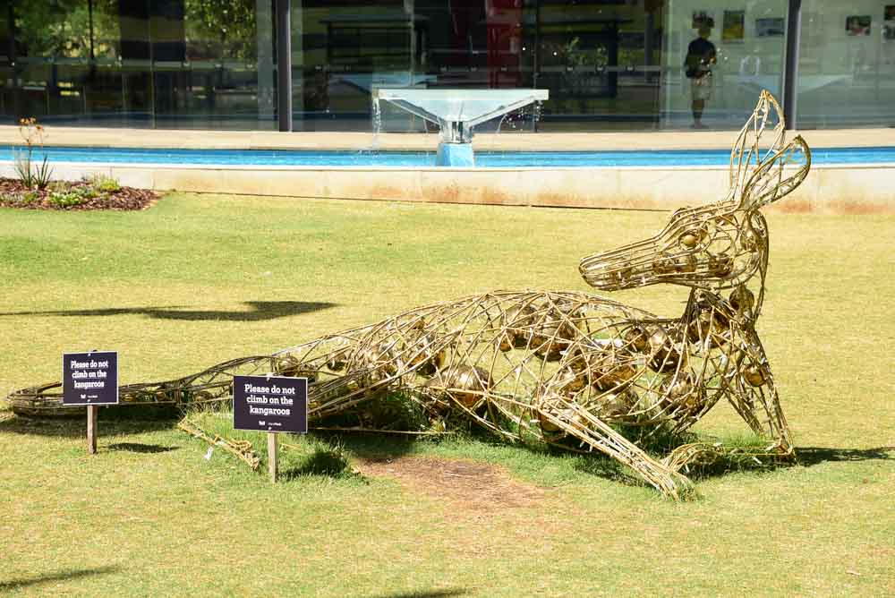 perth-cbd-kangaroo-sculpture-reclines