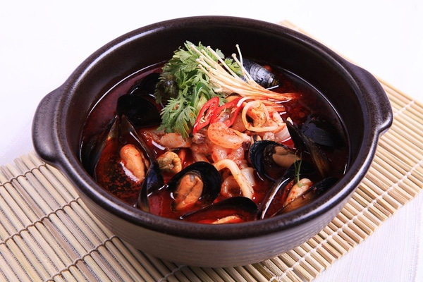 spicy-seafood-dish-in-seoul