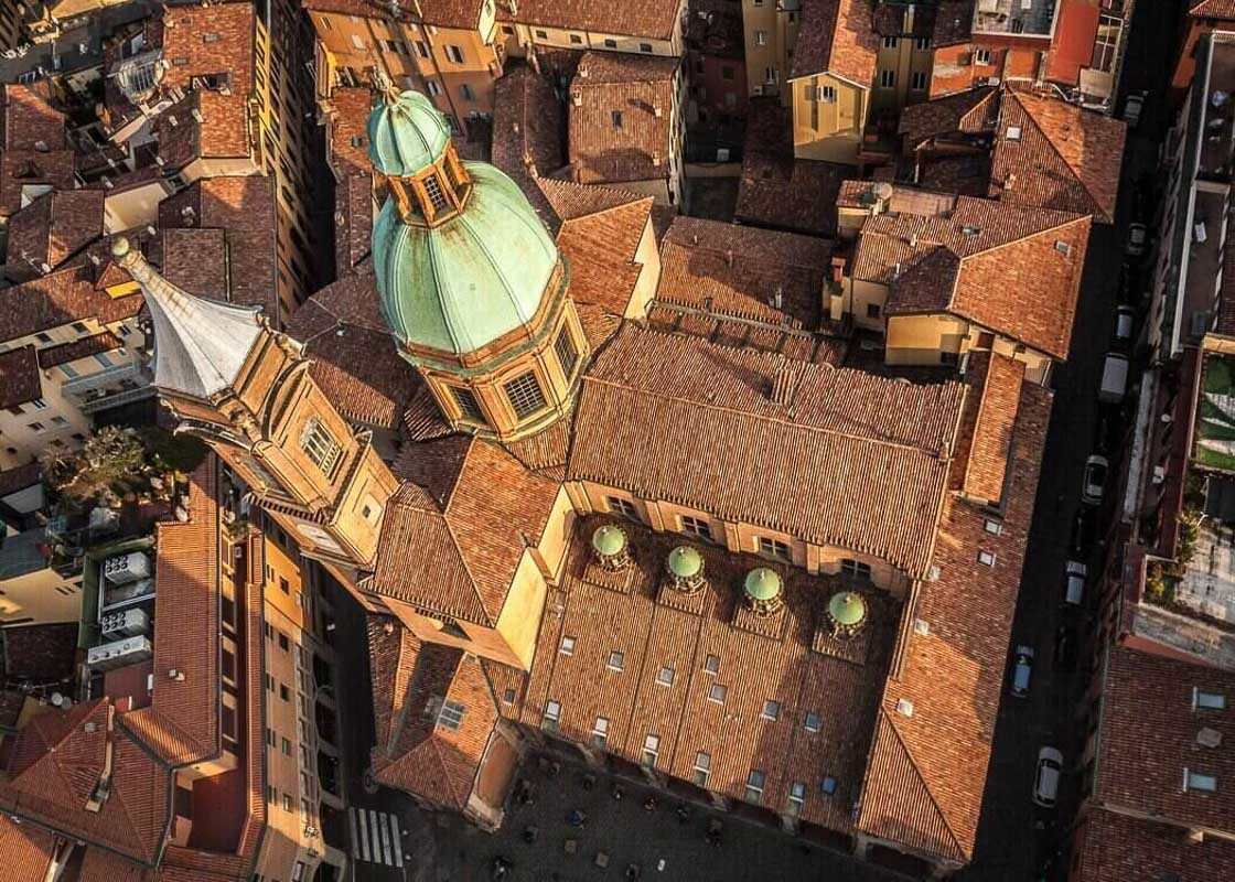 Aerial-view-Bologna-buildings.jpg