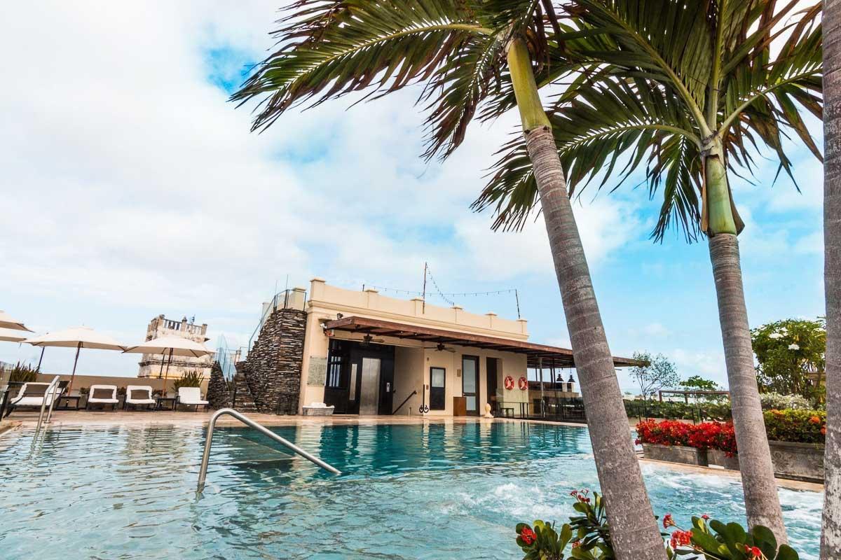 Bastión Luxury Hotel pool
