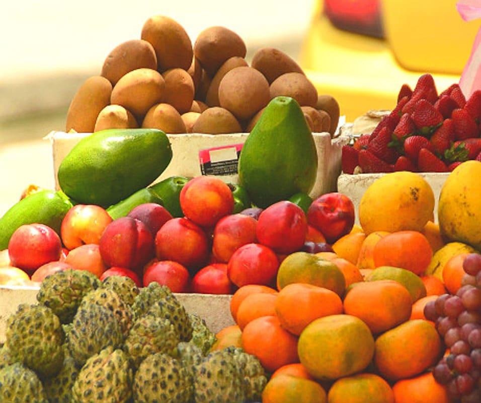 fruit in cartagena
