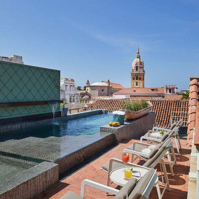 Hotel Boutique Casona del Colegio pool view