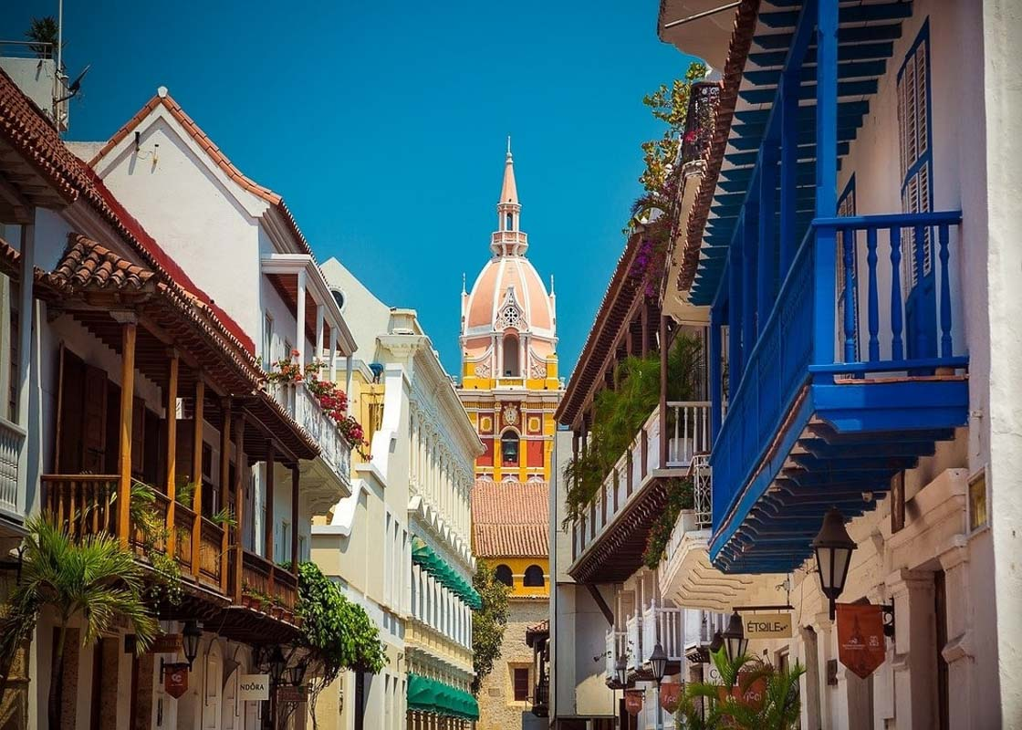 colourful street view in cartagena