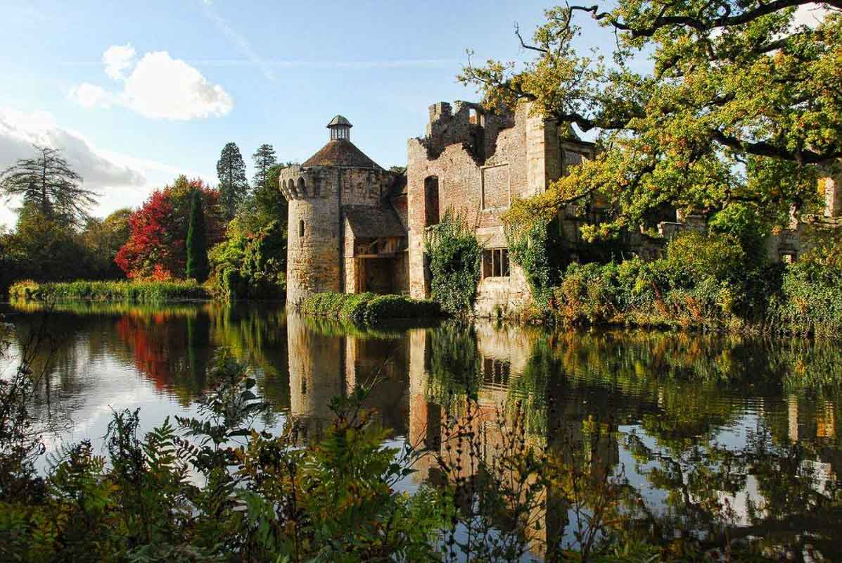 scotney-castle-water reflection kent