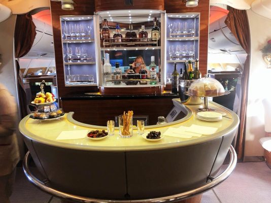 bar on emirates business class