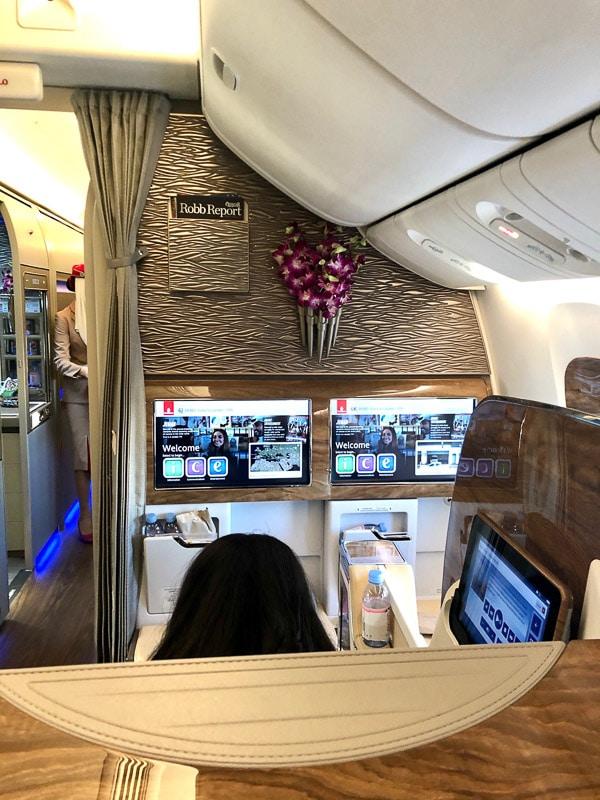 business class cabin emirates