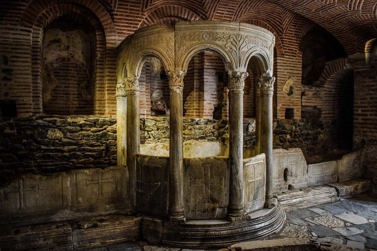Catacomb as part of 10 days in greece itinerary