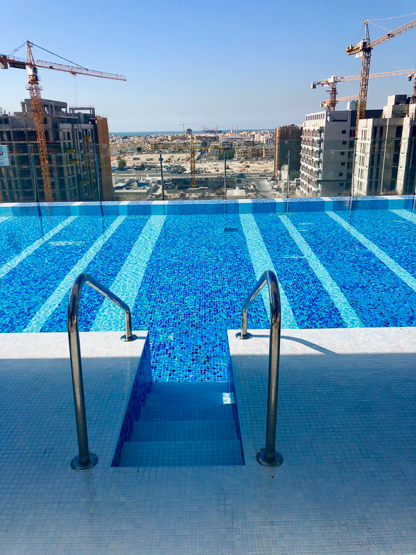 rooftop infinity pool at Voco dubai