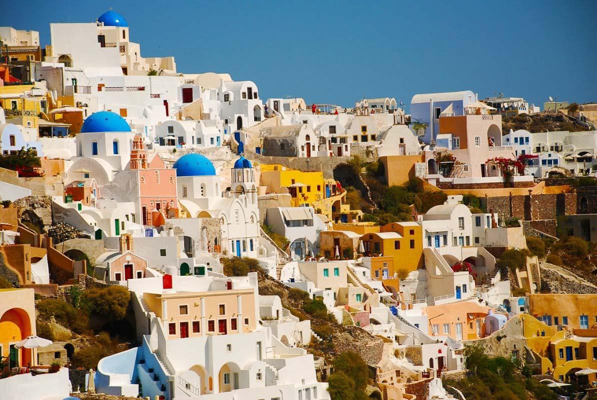 colourful houses in santorini