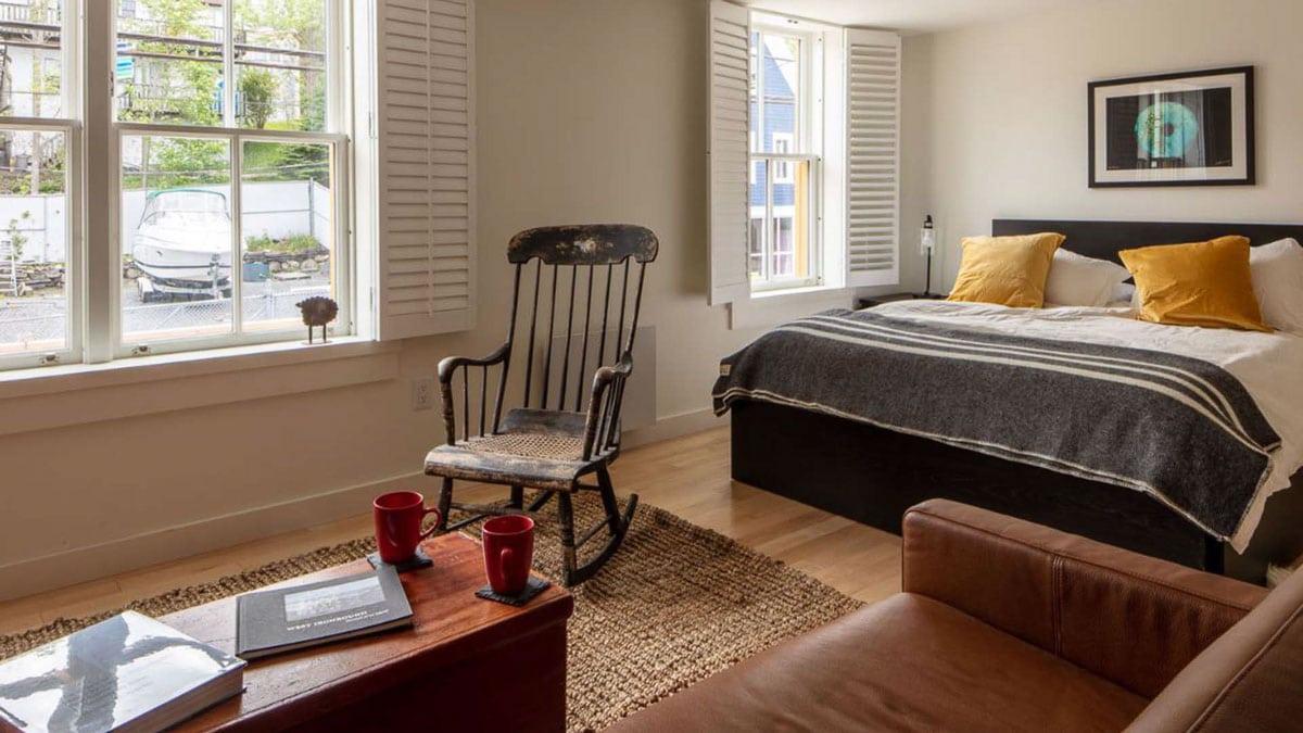 B2 lofts bedroom