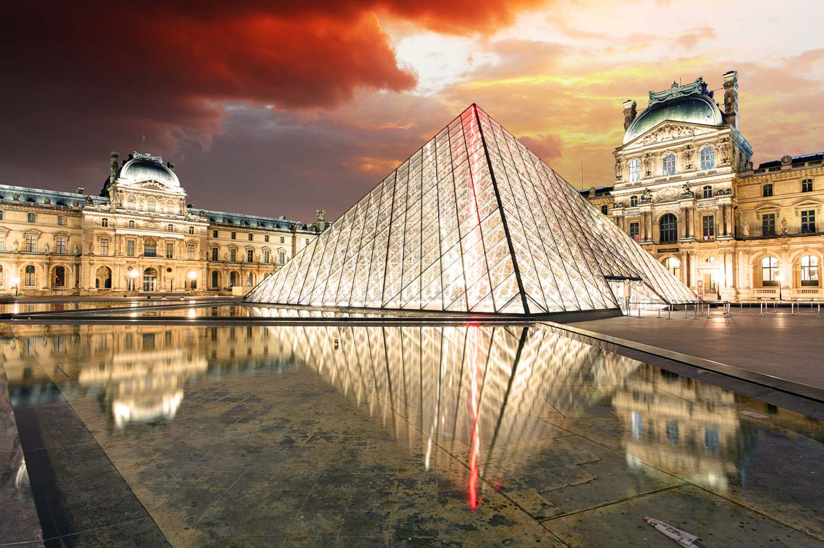 Louvre at night facts about paris