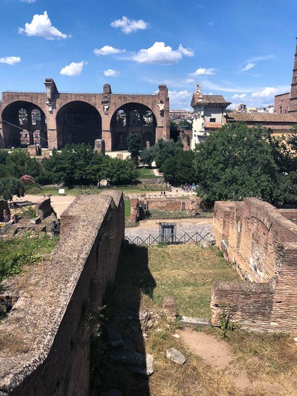 Title roman forum 3