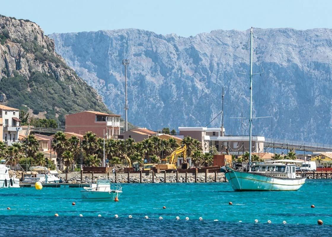 sardinia-harbour