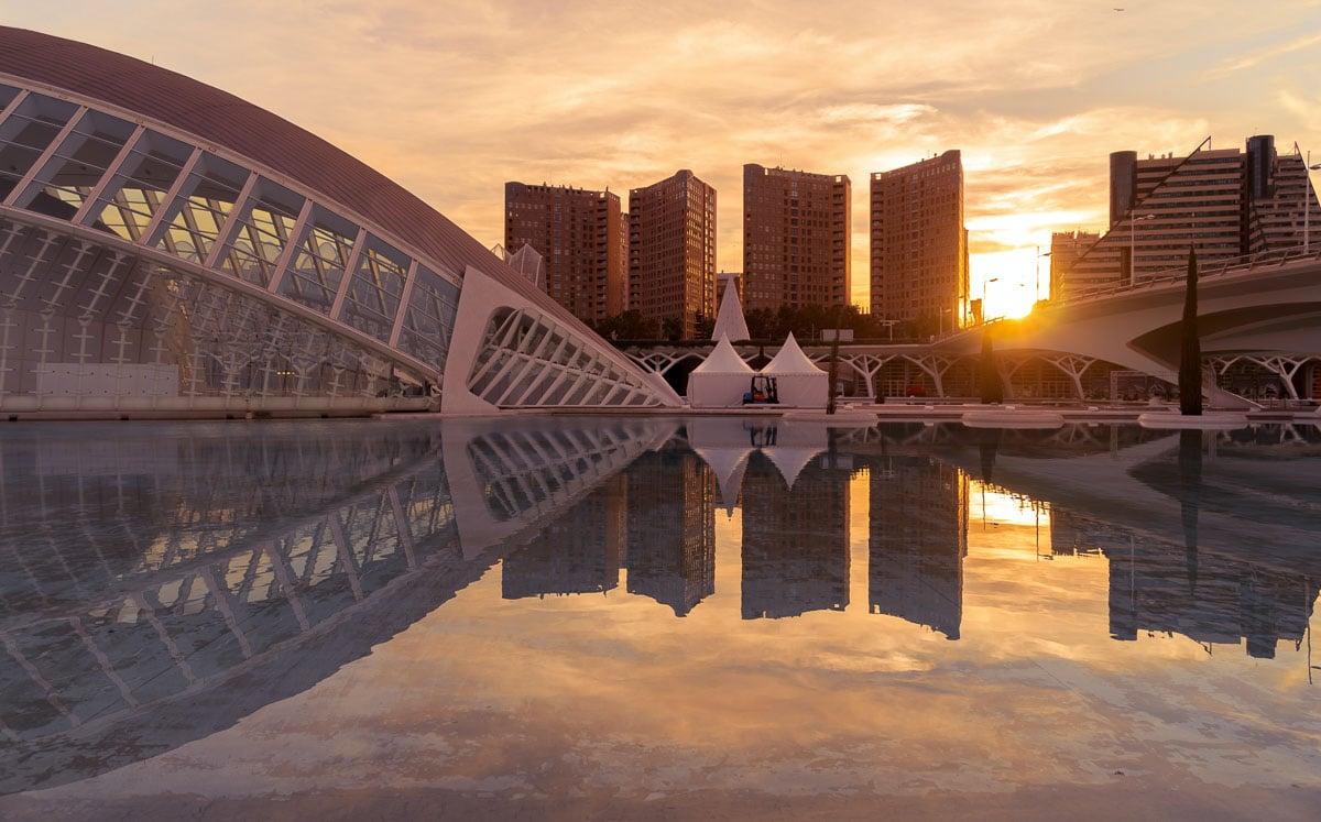 Ciudad de las Artes y las Ciencias at sunset