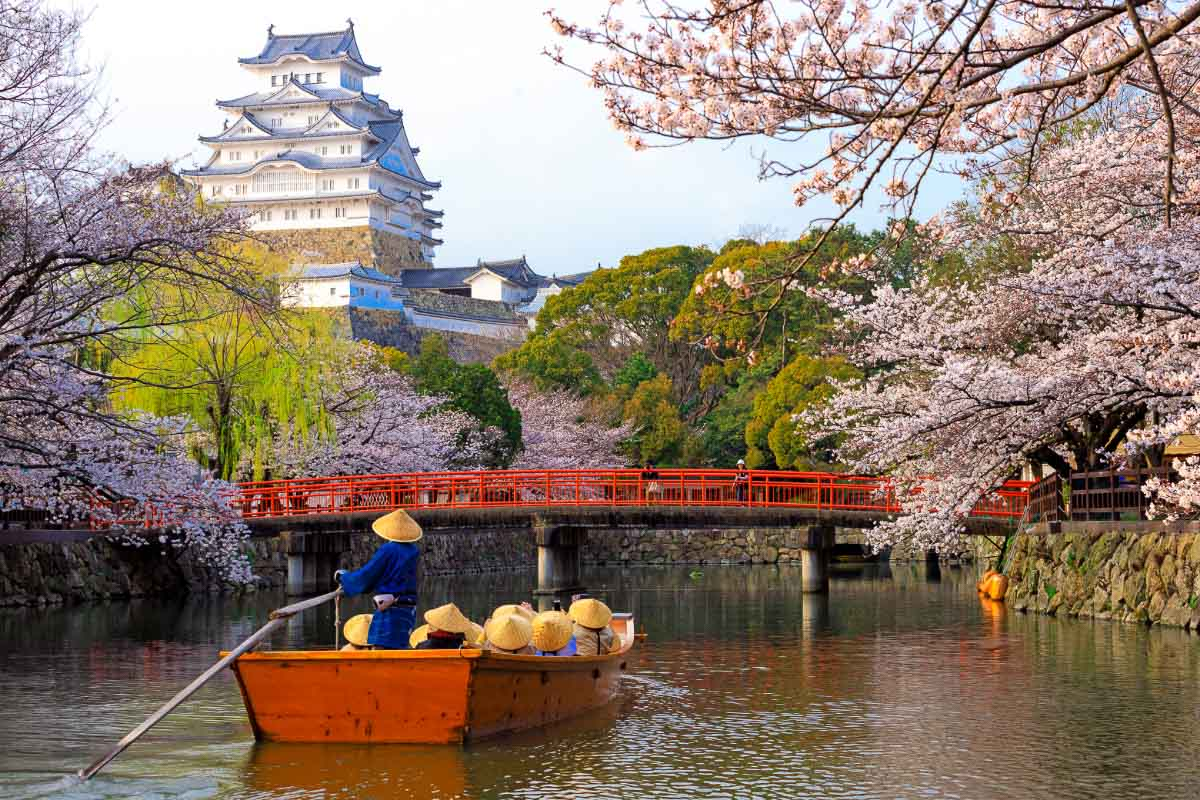 9 Beautiful Japan Famous Landmarks You Must Visit