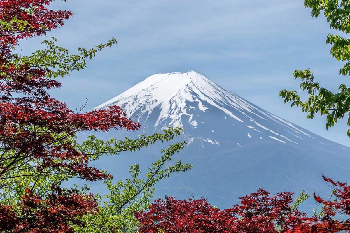 mount-fuji-japan-famous-landmark