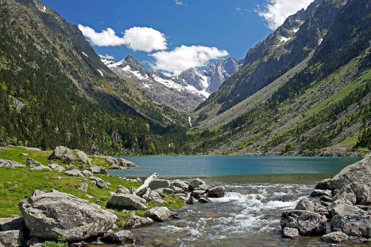 10 Beautiful Lakes in France that will Enchant You