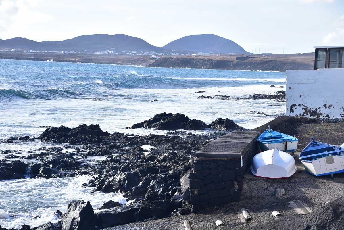Lanzarote Arrieta shoreline