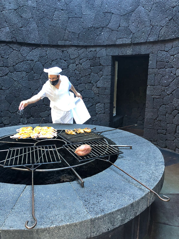 Lanzarote timanfaya park El diablo restaurant chef with chicken