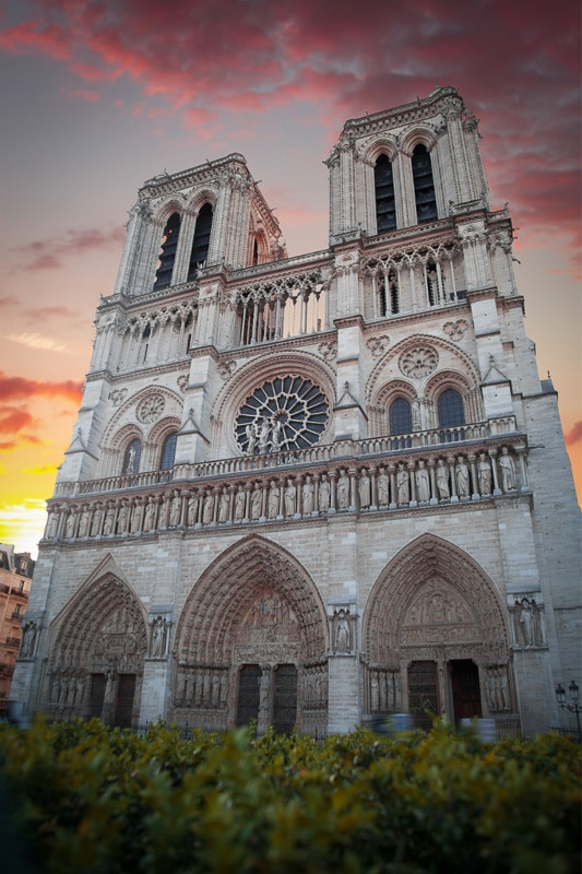 notre dame paris at sunrise 2