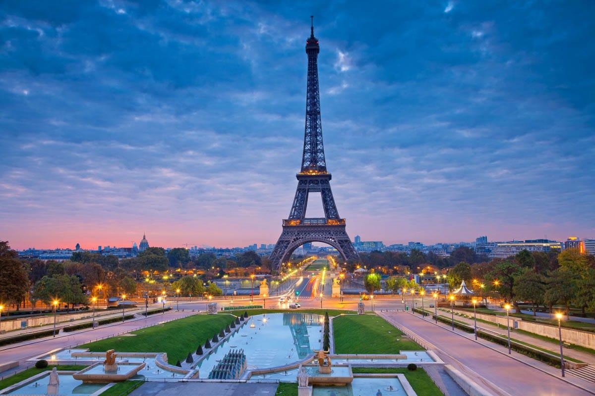 paris eiffel tower at sunrise