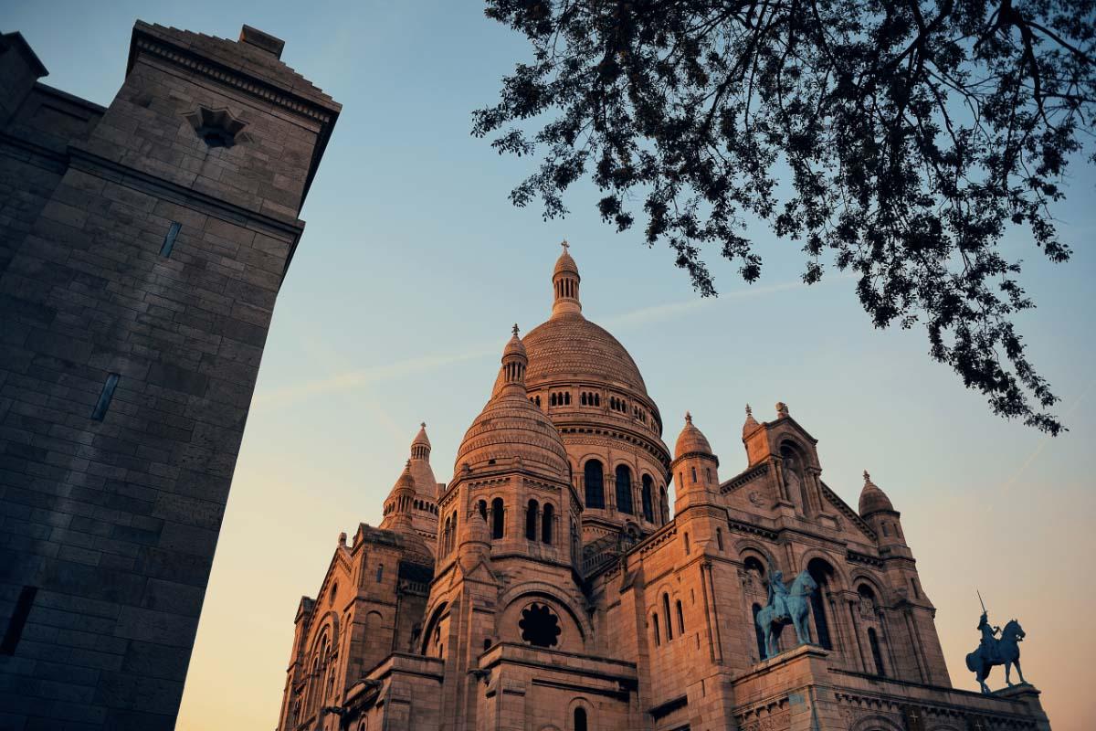 Sacre Coeur at sunrise in paris
