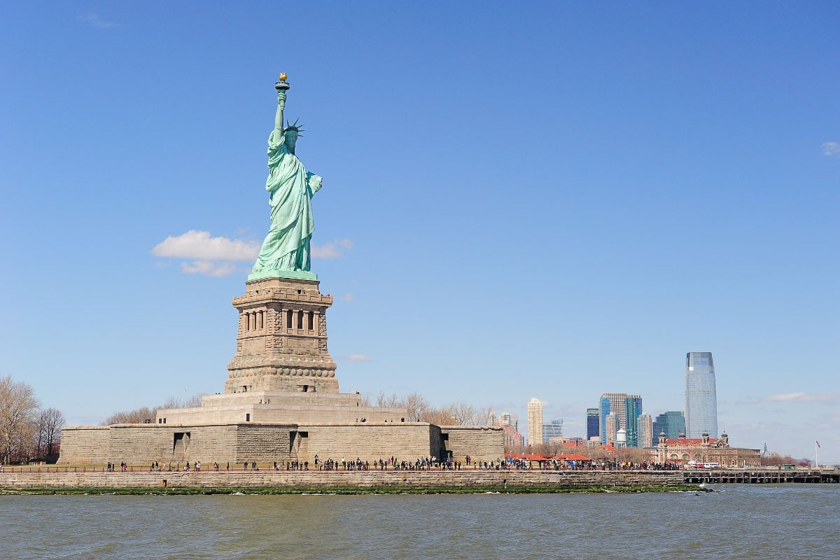 statue of liberty island during the day